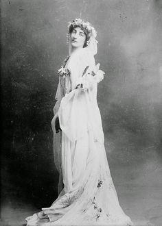 Consuelo Vanderbilt   Gladys Deacon (pictured) followed Consuelo ...