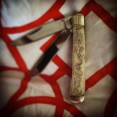See this Instagram photo by @mollyjogger • 137 likes #mollyjogger #scrimshawknifekit #DIY
