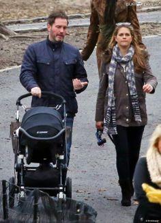 Madeleine et Chris étaient aperçus à New York alors qu'ils se baladaient avec Leonore