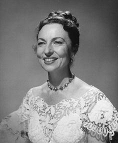 Agnes Moorehead Style Evolution: The 'Bewitched' Beauty Knew A Thing Or Two About Eye Shadow (PHOTOS)