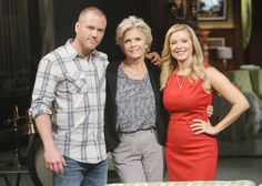 Is it too late for Maureen to mend fences with her kids? #YR @CadyMcClain @SeanCarrigan @CBSDaytime pic.twitter.com/22xQUeTBxh