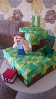 Sukie Lanza (92)995069615 Bolo Minecraft quadrado minicraft em dois andares pasta americana