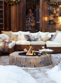 Outdoor Christmas Decorating Ideas Firepit