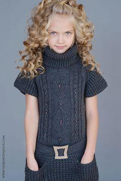 Karina Egorova (born August 13 Karina Egorova (* August) This image has get … Knitting For Kids, Baby Knitting Patterns, Knitting Designs, Girls Sweaters, Baby Sweaters, Crochet Poncho, Crochet Baby, Kids Crochet, Diy Crafts Dress