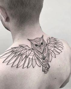 Tatuagem criada por Isis Muniz. Clique para conhecer outros trabalhos dessa artista fantástica.    #tattoo #tatuagem #arte #art #geometrica #fineline