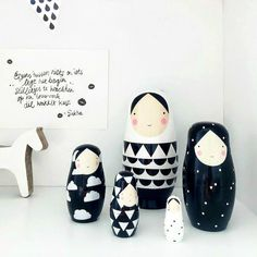 Matroschka Puppen in schwarz und weiß / dolls in black and white by designupdate via DaWanda.com