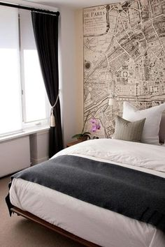 Oooh! Love this map as wallpaper! I think G and I need something like this since Paris is our city (we were engaged there).