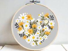 Cross Stitching, Cross Stitch Embroidery, Embroidery Patterns, Simple Cross Stitch, Cross Stitch Flowers, Modern Cross Stitch Patterns, Cross Stitch Designs, Flower Patterns, Pattern Flower