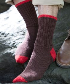 Stay comfy while hiking or just walking around the city in these knit socks. Make them in one colour, or brighten them up as shown with pops of a contrasting shade.