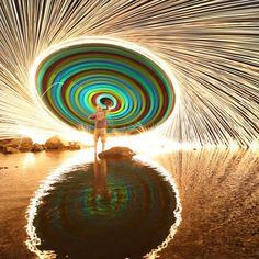 Girandola di luci - Fotografia di Chris Matthew Brady