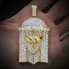 GOLDEN SUN JEWELRY: Russian cut big diamond Jesus piece. Available in Yellow, White, and Rose Gold. This piece is solid! @goldensunjewelry #goldensunjewelry #jewelry #religious #pendant #diamond #diamondpendant #diamondchain #diamondpiece #russiancut #jesuspiece #jesus #niketalk #fashion #fashionista #flawless #haute #kilogang #lavish #luxury #bling #wshh #detroit #chunky #vvs