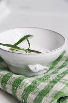Spånga Krukmakeri | Liten skål med rosenknopp | Matilde & Co | Handla online