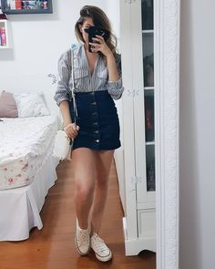 If you swear by denim skirts and are constantly searching for outfit ideas, you've come to the proper location. For an edgy and casual expression, a white t-shirt is always wise. Making up a casual outfit idea can be difficult. Date Outfits, Spring Outfits, Trendy Outfits, Fashion Outfits, Casual Bar Outfits, Vegas Outfits, Woman Outfits, Casual Attire, Club Outfits