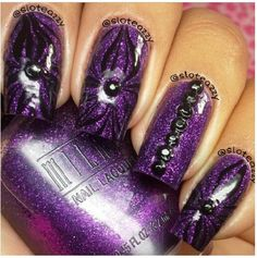 Shimmery purple floral nail
