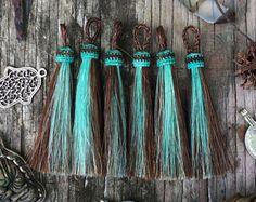 "Sorrel & Mint : 4"" Two Tone Horse Hair Tassel, 1pc / Tassel Pendant, Tassels, Cowboy and Cowgirl Accessories, Keychain, Bohemian Jewelry"