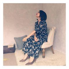スエードのポインテッドパンプス♪こちらも足が痛くならず、合わせやすい。今日はどちらの色にしようかと迷い中でした〜 #femininecafe  #フェミニンカフェ