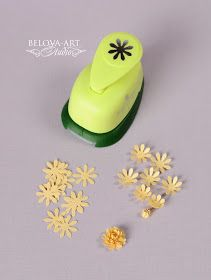 Photo only - I can't find a website for this. But once you have a miniature paper punch you can make a variety of miniature flowers. See the related pins for more. Paper Flowers Diy, Flower Cards, Handmade Flowers, Fabric Flowers, Paper Roses, Paper Punch Art, Punch Art Cards, Card Making Tips, Craft Punches