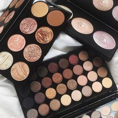 WEBSTA @ runwayscout - These palettes  #colourcrushing #makeupheaven via @billinishoes