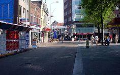 boven=Stratumseind rechts=Begijnenhof onder=Stratumseind Klik rechts om naar rechts te kijken, links voor kijken naar links, boven in het midden om rechtdoor te gaan en beneden om om te keren. Eindhoven, Nars, Netherlands, Om, Street View, Country, Places, Holland, Rural Area