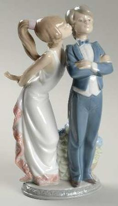 P0000014644S1829T2.jpg (258×450) Lladro FigurinesLets Make Up - Nb775, No BoxbyLladro(View other Pieces in this Pattern)  $199.95Each