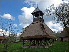 Szoknyás harangláb - Pankasz - Őrség - Dunántúl - Hungary Hungary, Gazebo, Farmhouse, Outdoor Structures, Cabin, Landscape, House Styles, Places, Home Decor