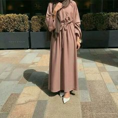 Introducing our new versatile Bella abayas. Features bell arms and a belt attached. Can be easily dressed up or down. Comes complete with a matching hijab. Made up from high quality Nida fabric. Modest Fashion Hijab, Modern Hijab Fashion, Hijab Fashion Inspiration, Hijab Chic, Abaya Fashion, Fashion Outfits, Modest Outfits Muslim, Girl Fashion, Red Outfits
