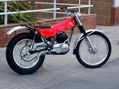 Tracker Motorcycle, Motorcycle Art, Vintage Bikes, Vintage Motorcycles, Moto Guzzi, Image Foto, Motos Trial, Enduro Motocross, Yamaha Bikes