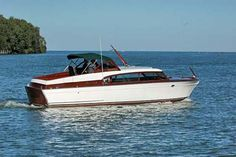Chris Craft 32' Capitan