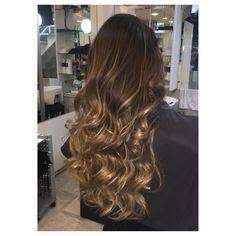 Meu dia fechou com esse cabelo maravilhoso! #highlights  #hair #dourado #avela  #caramelo
