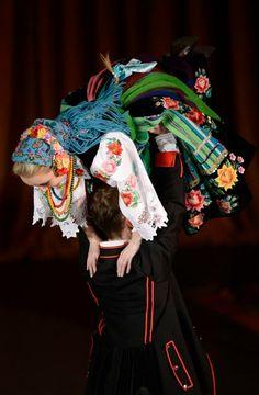 """Łowicz folk costume - Zespół Pieśni i Tańca """"Śląsk"""", Poland"""