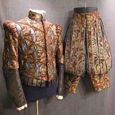 haute couture fashion Archives - Best Fashion Tips Mode Renaissance, Costume Renaissance, Elizabethan Costume, Medieval Costume, Renaissance Clothing, Renaissance Fashion, Medieval Gown, 16th Century Clothing, 16th Century Fashion