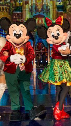 I want to go to Disney world again so badly