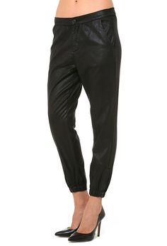 The Kelsey - Leatherette Super Black | AG Jeans