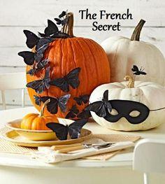 no carve pumpkin decorating idea // halloween decor Diy Deco Halloween, Holidays Halloween, Halloween Pumpkins, Halloween Crafts, Happy Halloween, Halloween Decorations, Halloween Party, Pumpkin Decorations, Halloween Table