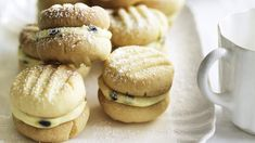Australian Food Favourites - Neil Perry's melting moments with passionfruit butter.- uh, I'm sorry what are these they look delicious! Passionfruit Butter, Passionfruit Recipes, Wine Recipes, Baking Recipes, Baking Ideas, Kitchen Recipes, Cookie Recipes, Dessert Recipes, Melting Moments