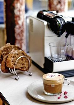 Nespresso Coffee Machines are ideal for an elegantly designed kitchen. Once you purchase your new machine, you'll be able to make all your favorite coffee creations from the convenience of your own home. Miele Coffee Machine, Coffee Making Machine, Home Coffee Machines, Espresso Coffee Machine, Cappuccino Machine, Coffee Maker, Mocha Coffee, Espresso Bar, Starbucks Coffee