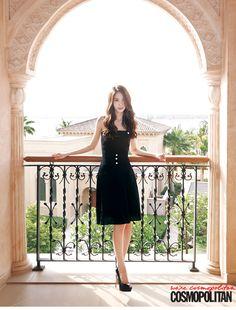 Cosmopolitan revealed Girls' Generation's Yoona's Dubai pictorial.