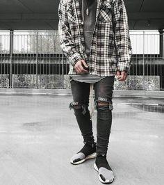 Trendy Teen Fashion, Men's Fashion, Hottest Women, Outfit Grid, Ripped Denim, Streetwear Fashion, Street Styles, Joseph, Style Me