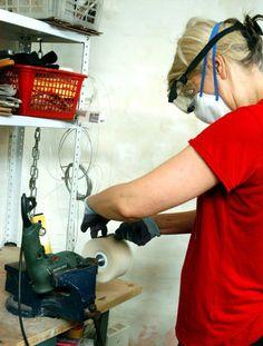 Schleifen und Polieren von Kunstharz oder Gießharz Dremel, Resin Tutorial, Diy And Crafts, Woodworking, Fimo, Tools, Plastic Resin, Nude Photography, Ribbons