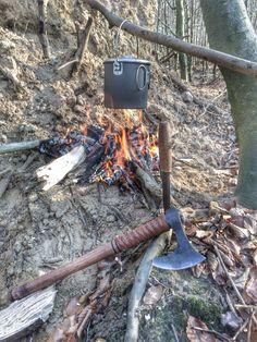 Mors bushpot, Mora Black bushcraft and Peter Szabo belt axe.