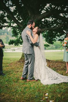 wedding ceremony under oak tree. molly & jacob ( nashville, TN ) - matt of our labor of love Headpiece Wedding, Wedding Veil, Wedding Suits, Wedding Ceremony, Our Wedding, Dream Wedding, Wedding Dresses, Wedding Stuff, Veil Length