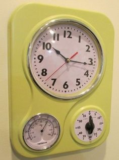 Retro Kitchen Clock With Temperature And Timer.