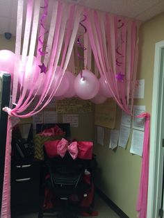 Cubicle Birthday Decoration Ideas Awesome Enchanting Fice Birthday Decorations Winning Black and Cubicle Birthday Decorations, Desk Decorations, Streamer Decorations, Halloween Decorations, Lany, Ideas Sorpresa, Cube Decor, Office Cube, Work Cubicle
