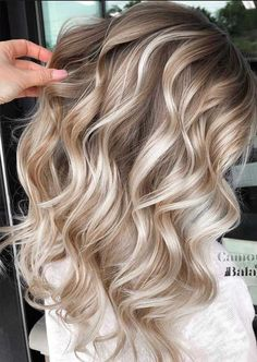 Blonde Bayalage, Blonde Balayage Highlights, Hair Color Highlights, Hair Color Balayage, Blonde Wig, Blonde Color, Bronde Haircolor, Brown Blonde Hair, Caramel Highlights