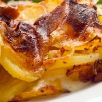 Quick & Easy Old Fashioned Cheesy Au Gratin Potatoes Recipe