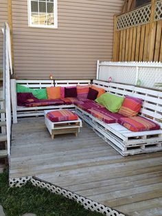 Pallets bench to relax #Outdoor, #PalletBench, #PalletTerrace, #RecycledPallet