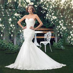 Charmantes Meerjungfrauen Brautkleid mit wunderschönen Applikationen.
