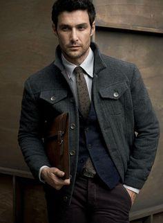 Velvet trousers with a nice overcoat | Pantalon en velours avec un beau manteau