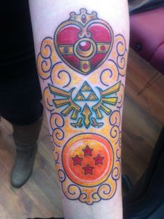 Love this tattoo! Sailor Moon, Zelda, Dragon Ball tattoo They all look pretty cool, but of course I'm eyeing the sailor moon one hehe :) Sailor Moon Tattoos, Zelda Tattoo, Z Tattoo, Creative Tattoos, Cool Tattoos, Lace Sleeve Tattoos, Los Mejores Tattoos, Piercings, Kawaii Tattoo