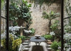 Does your small garden have you at the end of your tether? Small gardens, tiny terraces and petite patios may require a little more thought than larger spaces, but even the tiniest plot can… Continue Reading → Small Courtyard Gardens, Small Courtyards, Back Gardens, Small Gardens, Outdoor Gardens, Courtyard Design, Indoor Courtyard, Courtyard Ideas, Brick Courtyard